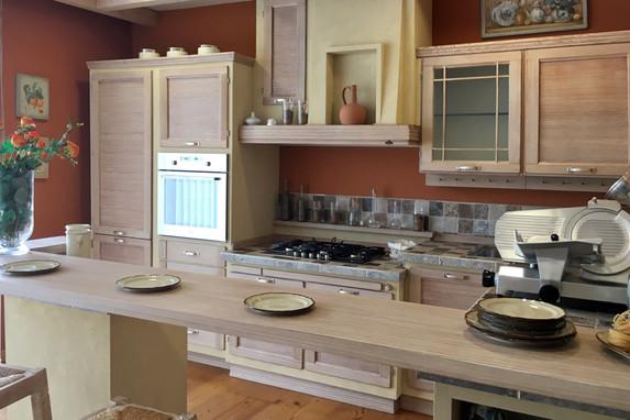 Arredo casa palmieri arredamenti mobili a reggio emilia for Casa classica toscana srl